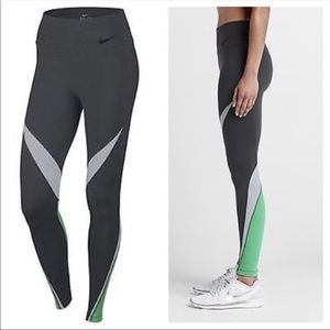 Nike legendary leggings xs